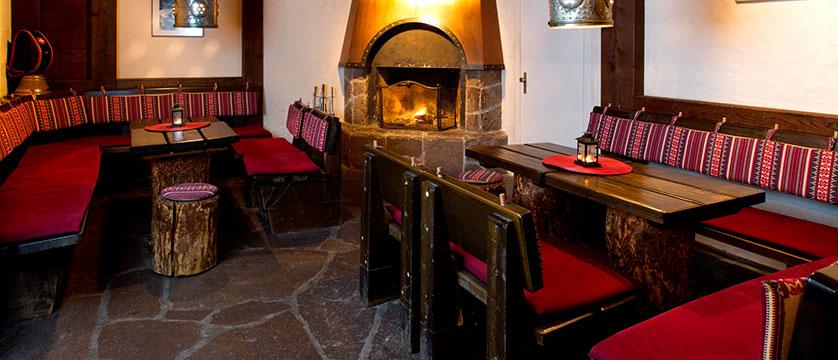 Hotel Silberhorn, Wengen, Bernese Oberland, Switzerland - hotel bar interior.jpg